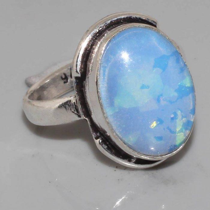 טבעת כסף 925 בשיבוץ אבן אופל כחלחל