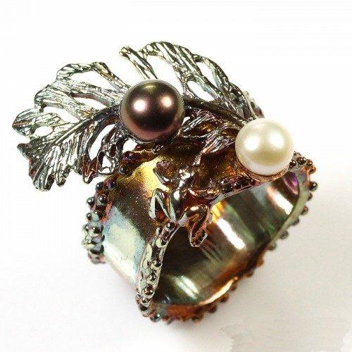 טבעת בשיבוץ פנינים איכותיות עבודת יד כסף 925 וציפוי זהב מידה: 7