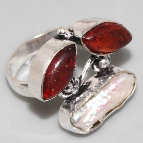 טבעת כסף 925 בשיבוץ ענבר ואם הפנינה מידה: 7