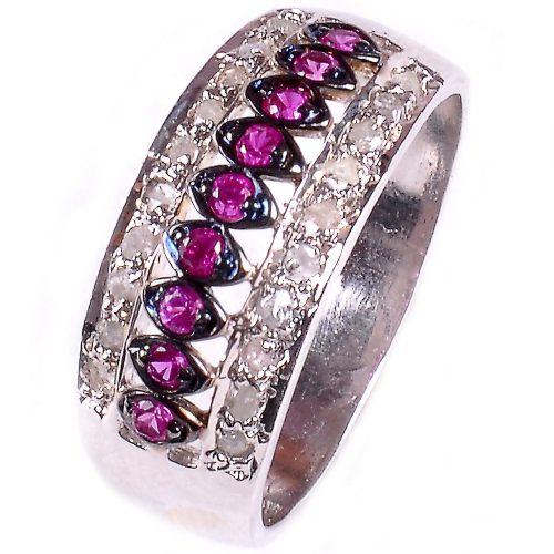 טבעת כסף 925 בשיבוץ יהלומי גלם הטבעת: 0.58 קרט וזירקונים סגול מידה: 7