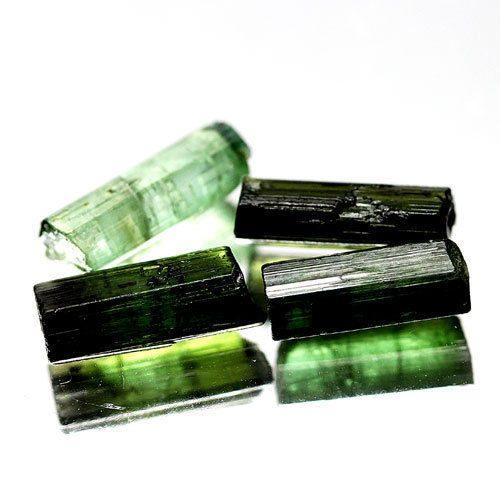 4 יחידות מוטות טורמלין ירוק גלם לליטוש ושיבוץ 5.50 קרט