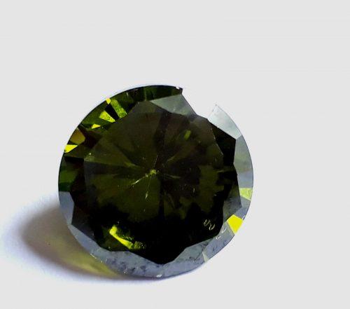 """זירקון Zircon טבעי ירוק ליטוש עגול (קמבודיה) 5.50 קרט קוטר: 9 מ""""מ עומק: 5 מ""""מ"""