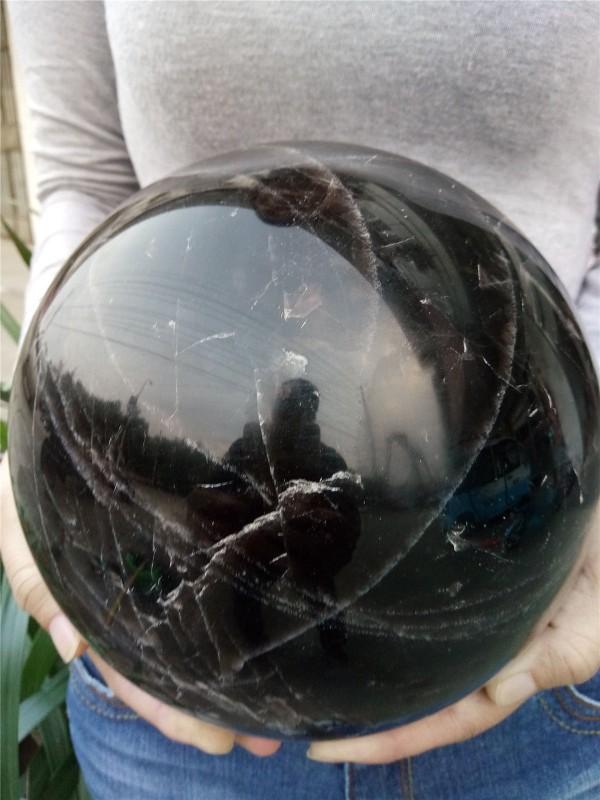 """כדור קוורץ שחור ענק לאספנים... משקל: 8465 גרם קוטר: 180 מ""""מ"""