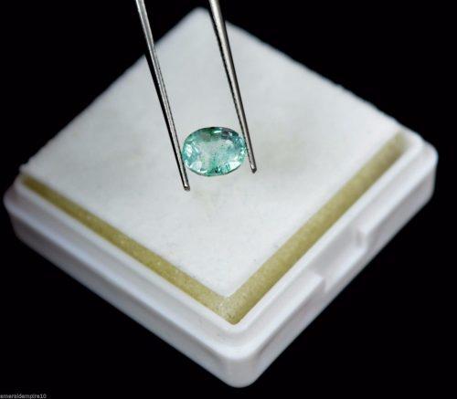 """אמרלד. איזמרגד, ברקת Emerald מלוטש לשיבוץ - תעודה 1 קרט (זמביה) מידה: 4*5*6 מ""""מ"""