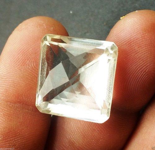 """קוורץ קריסטל Quartz-crystal איכותי מלוטש לשיבוץ 2.803 קרט מידה: 11.94*17.79*18.71 מ""""מ"""