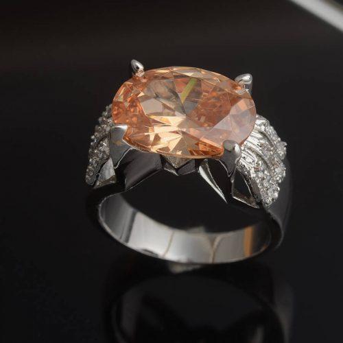 טבעת כסף 925 בשיבוץ טופז 8.8 גרם מידה 6