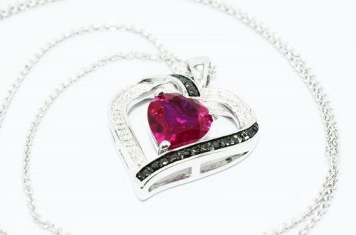 תליון ושרשרת כסף 925 בשיבוץ רובי ויהלומים שחורים ולבנים 1.62 קרט עיצוב לב ניקיון יהלומים: SI3