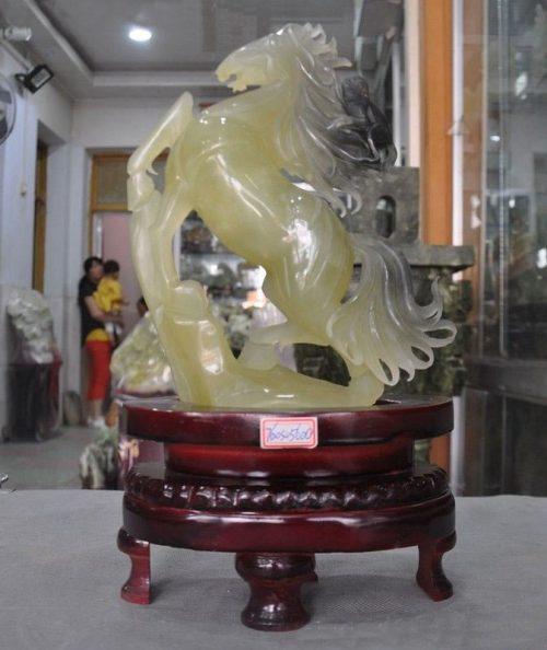 פסל ג'ייד (אבן-ירקן) Jade בהזמנה מיוחדת