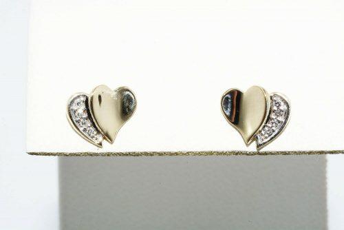 עגילי זהב 10 קרט בשיבוץ 8 יהלומים 06. קרט ניקיון יהלומים: VS1 צבע: G עיצוב לב