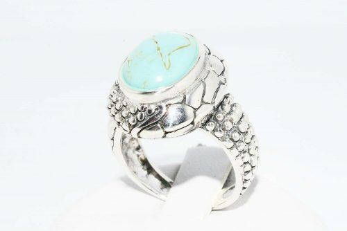 טבעת יוקרה כסף 925 בשיבוץ טורקיז 5.60 קרט מידה: 7משקל: 7.30 גרם