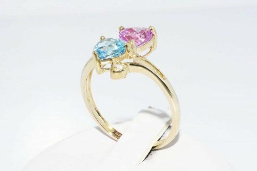 טבעת זהב צהוב 10 קרט בשיבוץ טופז כחול +טופז ורוד + 2 טופז לבן מידה: 8