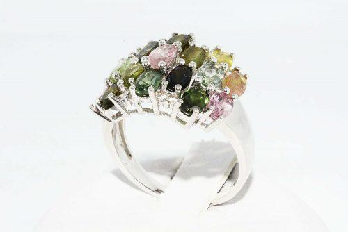 טבעת יוקרה כסף 925 בשיבוץ 17 טורמלין צבעוני משקל: 3.10 קרט + 8 טופז מידה: 8