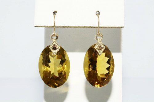 עגילי זהב צהוב 14 קרט בשיבוץ סיטרין 24 קרט בשיבוץ 2 יהלומים 08. קרט ניקיון: VS2