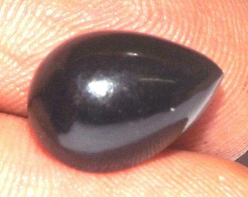 ספיר שחור Sapphire מלוטש לשיבוץ - אתיופיה ליטוש טיפה במשקל: 2.55 קרט