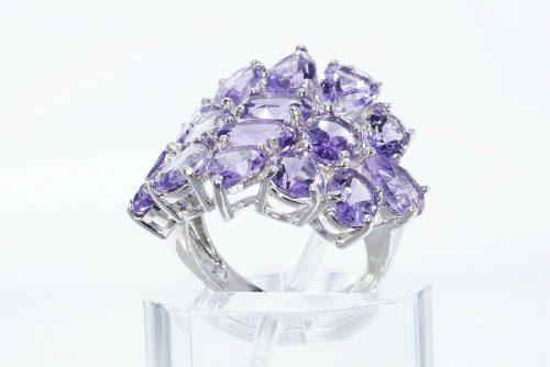 טבעת יוקרה כסף 925 בשיבוץ 16 אמטיסט 11.20משקל: קרט מידה: 6.25