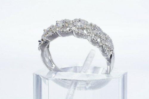 טבעת יוקרה כסף 925 משובצת 29 יהלומים לבנים 20. קרט ניקיון יהלומים: I1 מידה: 7.25