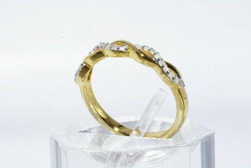 טבעת יוקרה כסף 925 ציפוי זהב בשיבוץ 21 יהלומים לבנים משקל: 11. קרט ניקיון יהלומים: I1 מידה: 5.25