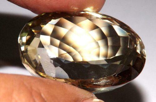 קוורץ לימוני Quartz-crystal מלוטש לשיבוץ - אפריקה במשקל: 15.3 קרט